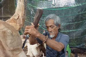 Lão nghệ nhân đi khắp nơi truyền nghề điêu khắc miễn phí