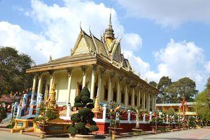 Huyền tích chùa Hang