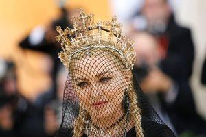 Mừng sinh nhật thứ 60 của Madonna qua lời tác giả sách best-seller