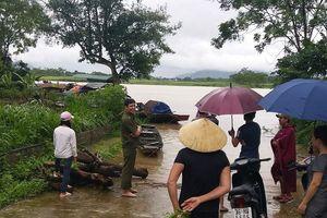 Bão số 4 đổ bộ, miền núi Thanh Hóa nước dâng