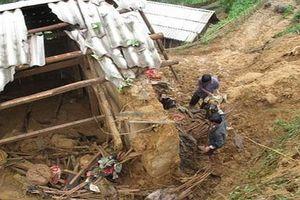 Một người chết do sạt lở đất, cảnh báo lũ quét ở Thanh Hóa sau bão số 4