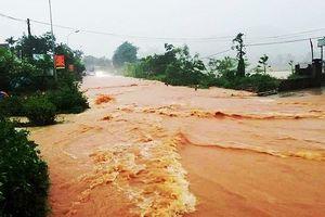 Mưa lớn sau bão số 4, nhiều địa phương ở Thanh Hóa, Nghệ An bị chia cắt