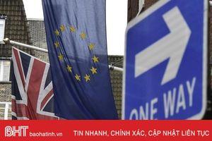 Thế giới ngày qua: Brexit bước vào vòng đàm phán mới với tâm điểm Bắc Ireland
