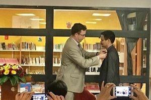 Giám đốc sách Nhã Nam nhận Huân chương Hiệp sĩ Văn học và Nghệ thuật Pháp