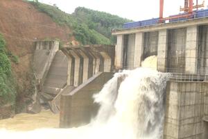 Nghệ An: Xả lũ hồ chứa nước thủy điện Châu Thắng