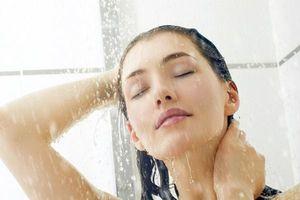 Tắm nước lạnh buổi sáng giúp bạn giảm cân cực hiệu quả