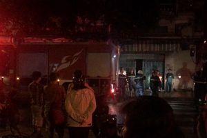 Cháy lớn tại quận 5, 3 người nhập viện