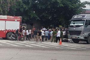 Thái Nguyên: Xe máy bị cuốn vào gầm xe đầu kéo sau va chạm, 1 người tử vong