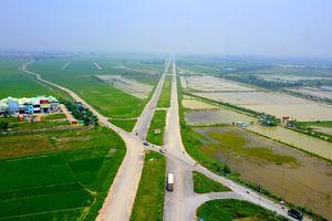 'Làm gì khi đổi đất lấy hạ tầng?'
