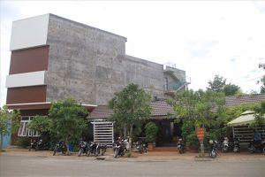 Ninh Thuận tràn lan 'nhà dụ' nuôi chim yến