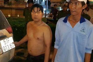 CSGT vây bắt 2 anh em cùng gần 15.000 bao thuốc lá lậu