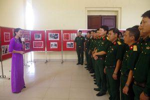 Trưng bày hình ảnh, tư liệu của lực lượng vũ trang Việt Nam qua các thời kỳ