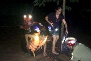 Trắng đêm giúp dân vượt lũ, 2 chiến sỹ PCCC bị thương nặng