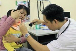 Cảnh báo gia tăng số trẻ bị sởi biến chứng nặng