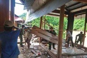 Nghệ An di dời nhiều nhà bị sạt lở nguy hiểm đến nơi an toàn