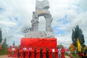 Khánh thành tượng đài 'Chiến sĩ Công an nhân dân vũ trang bảo vệ giới tuyến'