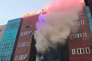 Cháy ở bệnh viện Bưu Điện, bệnh nhân và người nhà tháo chạy