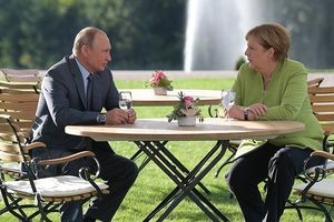 Gặp mặt tại Đức, ông Putin và bà Merkel đã trao đổi những gì?