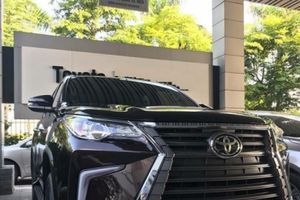 Chỉ 100 triệu đồng, dân chơi Hà thành 'hô biến' Toyota Fortuner thành xe sang Lexus