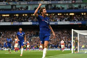 Hậu vệ Alonso ghi bàn giúp Chelsea hạ gục Arsenal