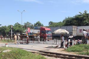 Người phụ nữ tử vong sau va chạm với xe container