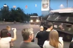 Buk-M1 Ukraine đâm vào trung tâm thương mại trong Ngày độc lập