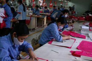 Tạo việc làm cho lao động nữ... 'nghỉ hưu sớm'