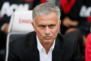 Ngoại hạng Anh: M.U thua sốc, HLV Mourinho bị 'phản bội'?