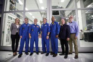 SpaceX, Boeing đã có phi hành gia sẵn sàng bay lên không gian