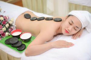 Massage với tinh dầu và đá nóng: Sự kết hợp đa dạng trong từng liệu trình