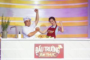 Võ Hạ Trâm khiến khán giả 'cười ngất' khi nấu ăn tại Đấu Trường Ẩm Thực