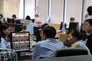 'Dè chừng' thông tin từ chiến tranh thương mại Mỹ - Trung