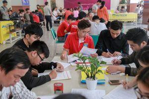 'Tất tần tật' về tuyển sinh HUTECH 2018: Trường em trai Sơn Tùng có thể học