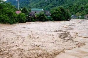 Nghệ An: Mưa lũ khiến 6 người thiệt mạng và mất tích