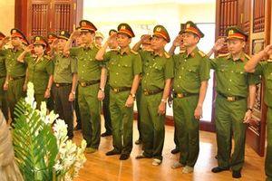 Cụm thi đua số 2 – Khối Cảnh sát Bộ Công an báo công dâng Bác