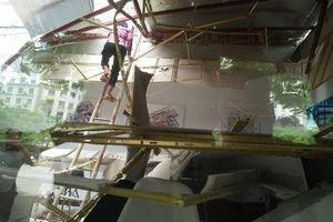 Toàn cảnh vụ đứt cáp cẩu trục công trình ở Hà Nội, 1 người bị thương nặng
