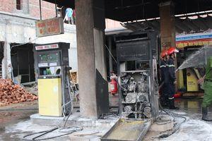 Cháy lớn tại cây xăng ở Quảng Nam
