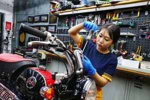 'Choáng' với bộ sưu tập của 'Nữ thần xe máy' thế hệ 9X