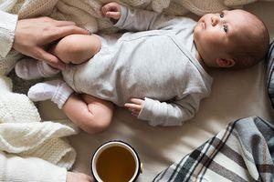 Mẹ cho con bú có được uống cà phê không?