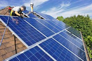 Năng lượng tái tạo sẽ 'chạm đến' từng gia đình Việt