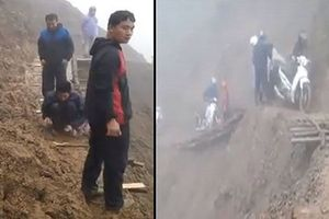 Bất chấp nguy hiểm, thầy cô giáo sửa đường giữa vách núi dựng đứng