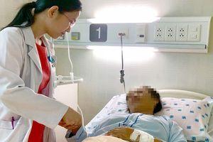 Suýt chết vì 'chê' bác sĩ chẩn đoán sai, tự ý mua thuốc điều trị