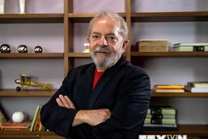 Cựu Tổng thống Brazil Lula da Silva vẫn dẫn đầu trước thềm bầu cử