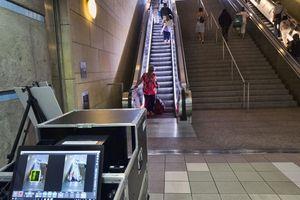 Los Angeles siết an ninh ga tàu điện ngầm như ở sân bay