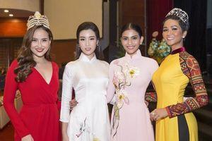 Á hậu Trương Thị May nổi bật tại Liên hoan Ca múa nhạc toàn quốc 2018