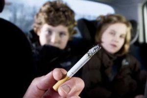 Bố mẹ hút thuốc, con dễ tử vong