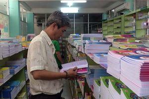 Phụ huynh ở TPHCM đi 10 nơi chưa mua đủ sách giáo khoa cho con
