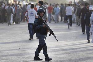 'Mưa tên lửa' nhắc nhở Afghanistan vẫn trong cuộc chiến dài hơi