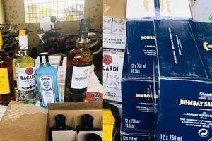 Bắt giữ xe tải vận chuyển 540 chai rượu ngoại không rõ nguồn gốc