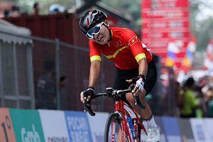 Nhà vô địch xe đạp châu Á Nguyễn Thị Thật cay đắng bại trận ở ASIAD